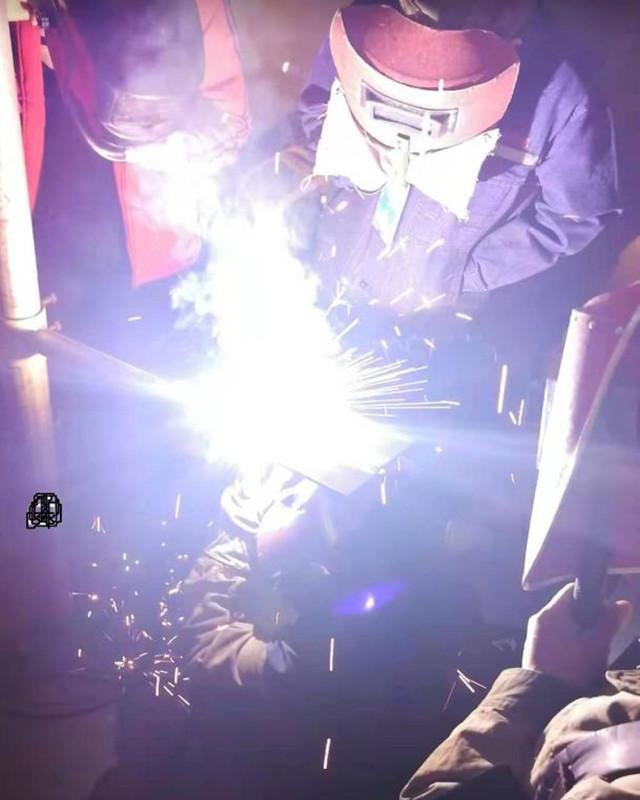 机械系焊接2_副本.jpg